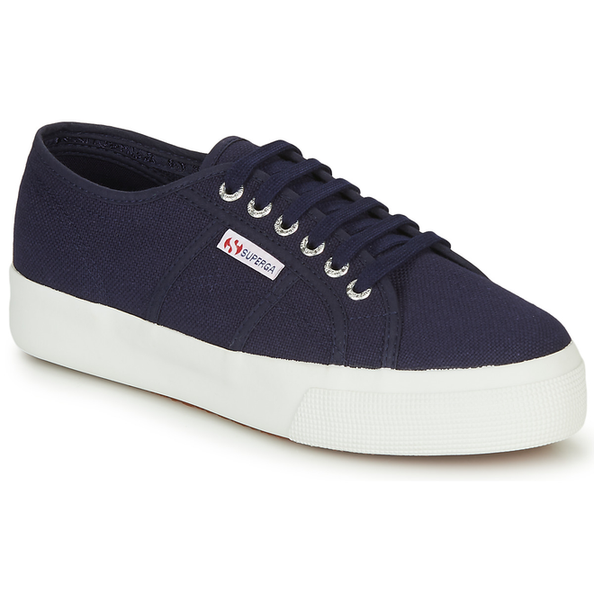 Superga  2287-COTW  women's Shoes (Trainers) in Blue