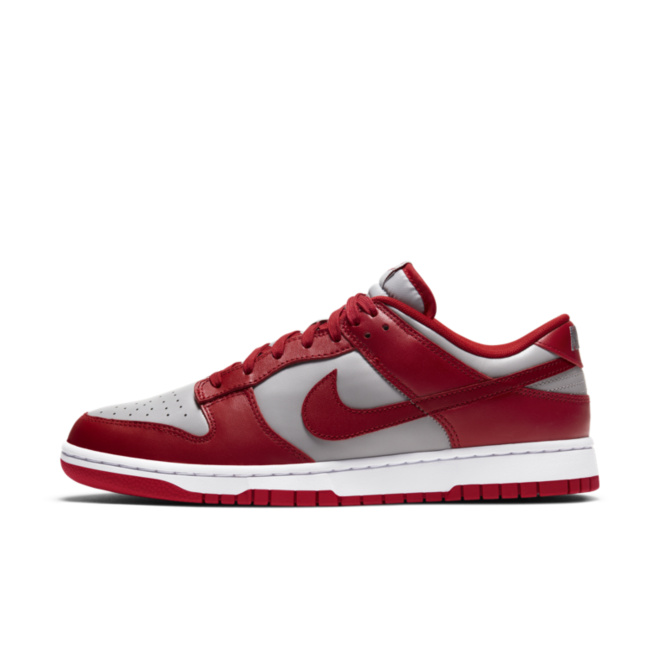 Nike Dunk Low 'Varsity Red' zijaanzicht