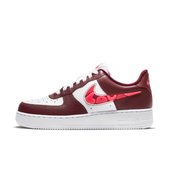 Nike Air Force 1 'Love For All' zijaanzicht