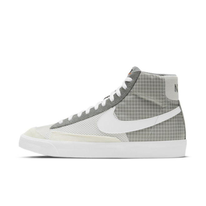 Nike Blazer Mid '77 Patch 'Grey' zijaanzicht
