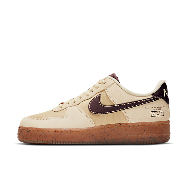 Nike Air Force 1 Low 'Coffee' zijaanzicht