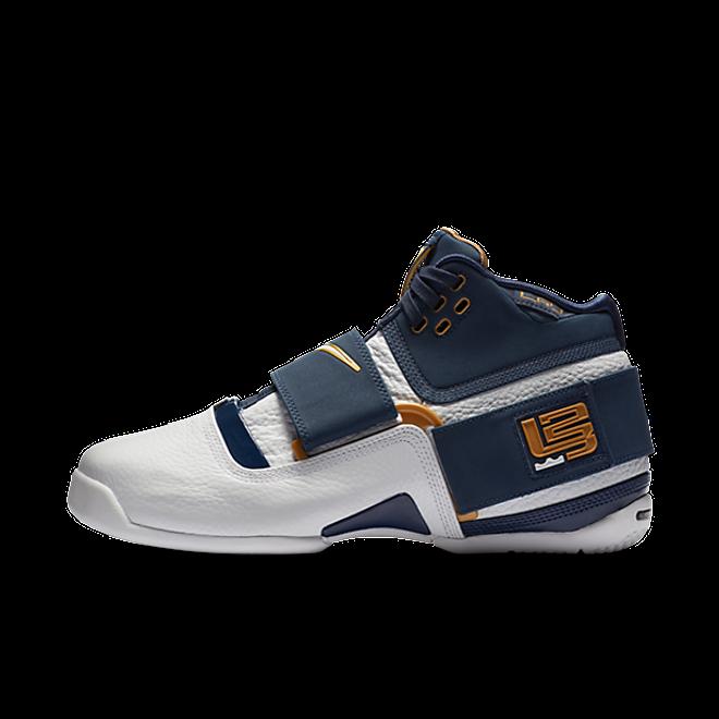 Nike Zoom LeBron Soldier 1
