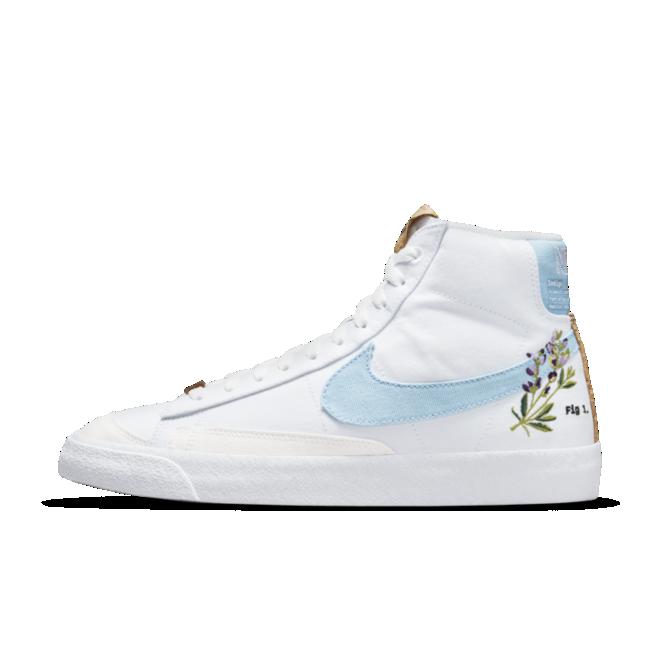 Nike Blazer 77 'Flower' zijaanzicht