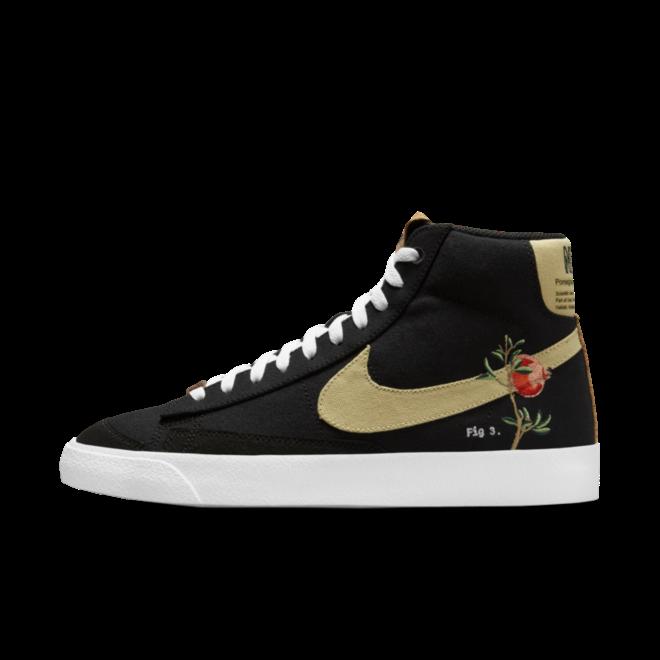 Nike Blazer 77 Floral Pack 'Black' zijaanzicht