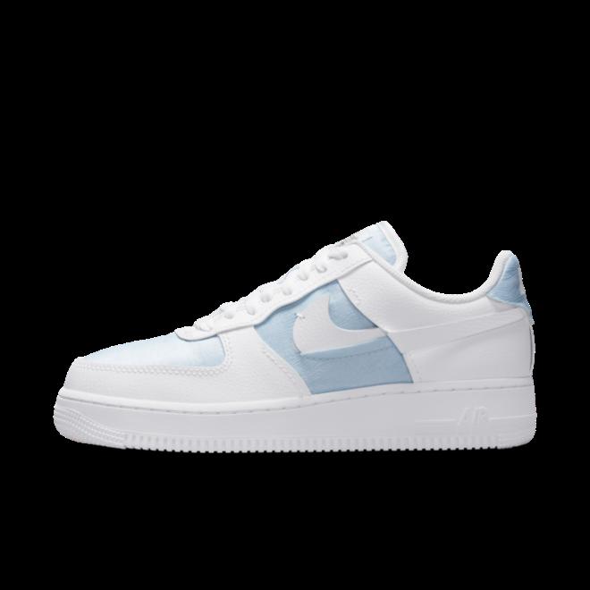 Nike WMNS Air Force 1 LXX 'Glacier Blue' zijaanzicht