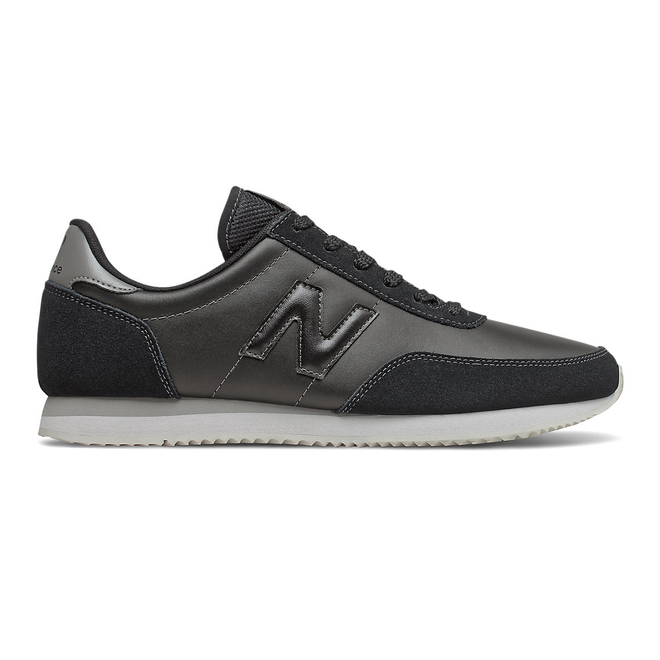 New Balance 720 - Black with Magnet