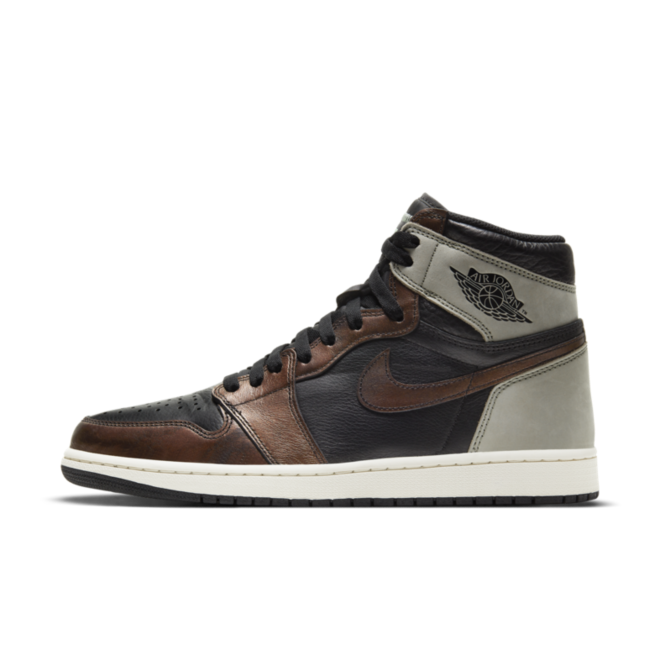 Air Jordan 1 High OG 'Patina' zijaanzicht