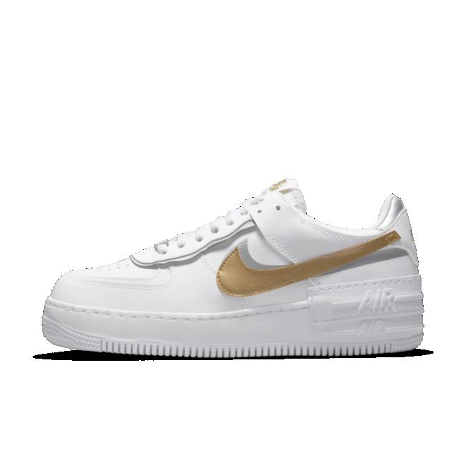 Nike Air Force 1 Shadow 'Gold Swoosh' zijaanzicht