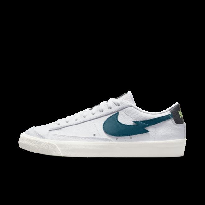 Nike Blazer Low 77 'Lime Glow' zijaanzicht