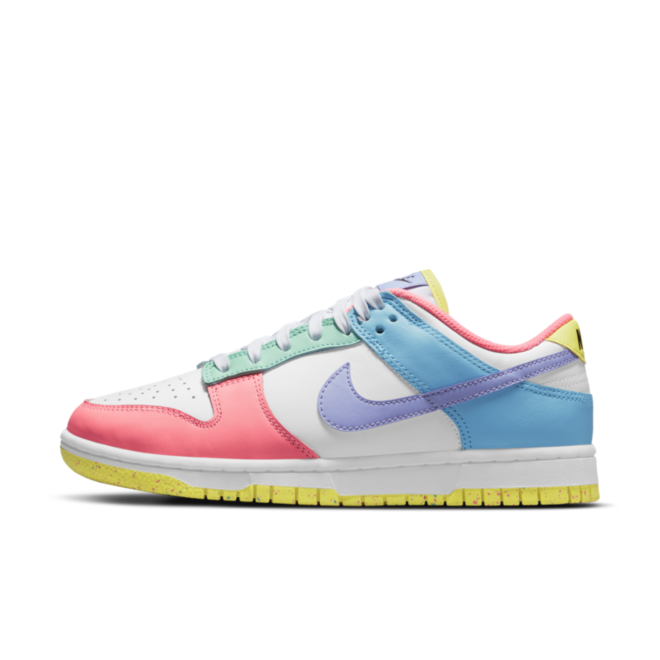 Nike WMNS Dunk Low SE 'Easter' DD1872-100