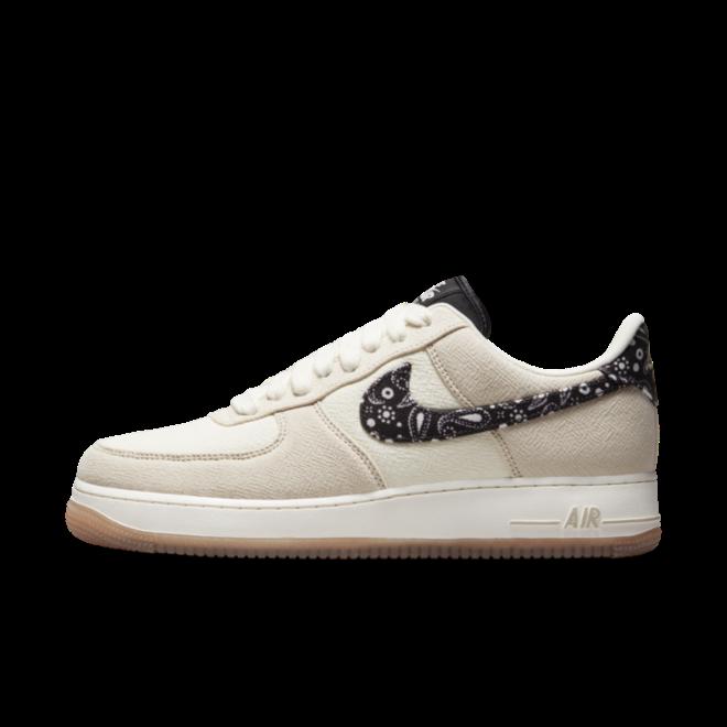 Nike Air Force 1 'Paisley' zijaanzicht
