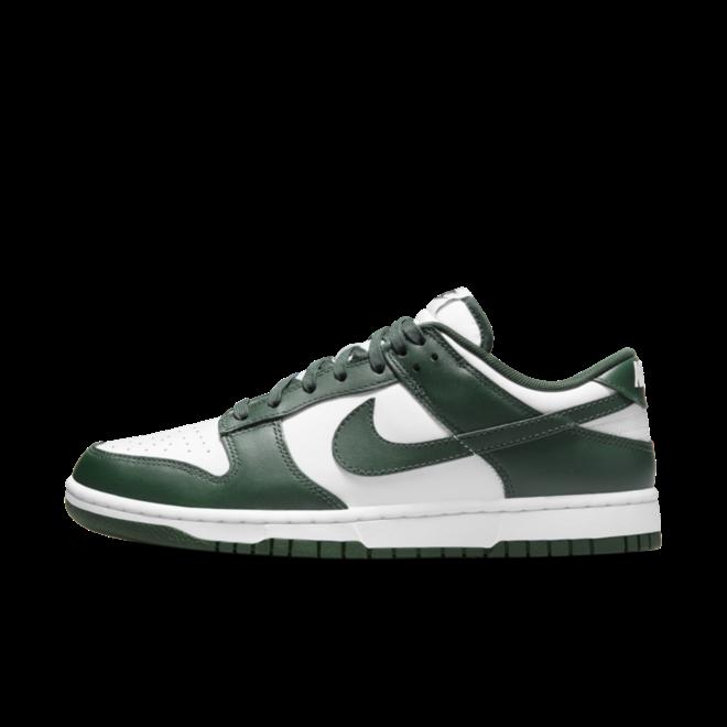 Nike Dunk Low 'Team Green' zijaanzicht