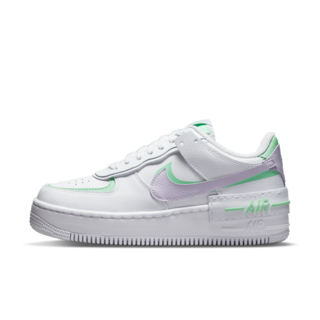 Nike Air Force 1 Shadow 'Infinite Lilac' zijaanzicht
