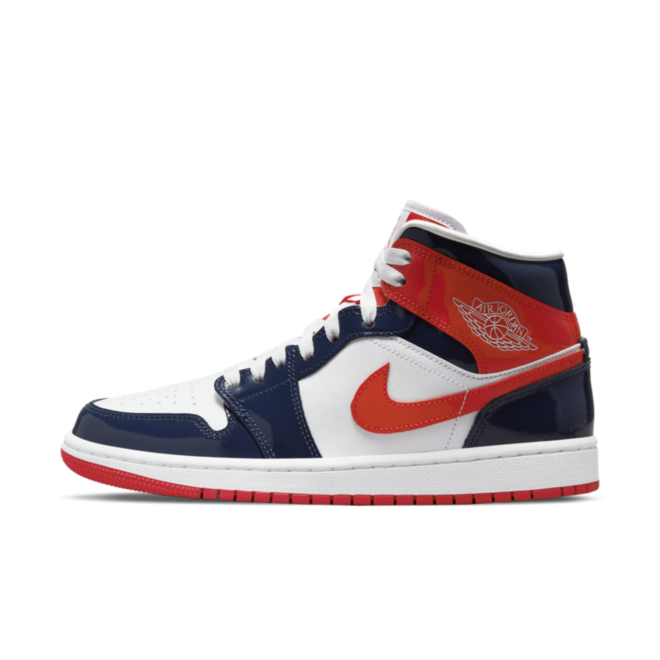 Air Jordan 1 Mid Patent 'Navy Orange' zijaanzicht
