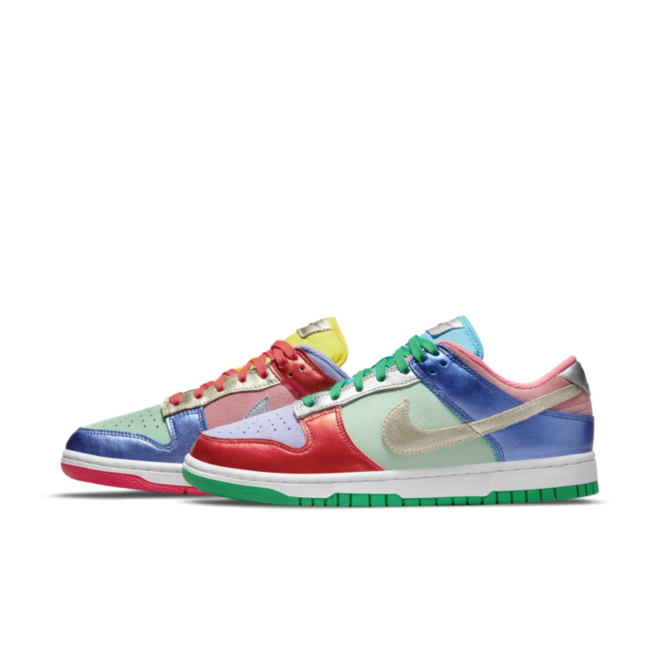 Nike WMNS Dunk Low 'Sunset Pulse'