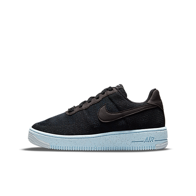 Nike Air Force 1 Crater Flyknit 'Black' zijaanzicht