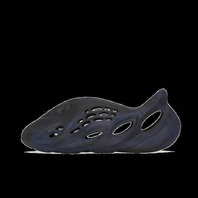 adidas Yeezy Foam Runner 'Mineral Blue' zijaanzicht