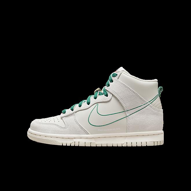Nike Dunk High 'First Use' DD0733-001