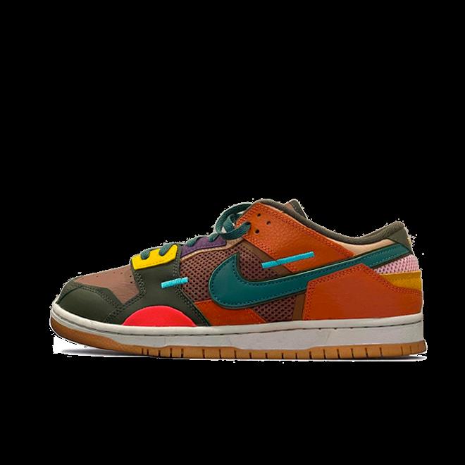 Nike Dunk Low Scrap 'Archeo Brown' zijaanzicht