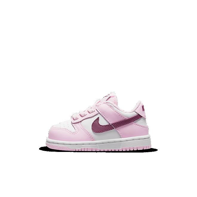 Nike Dunk Low TD 'Pink Foam' zijaanzicht