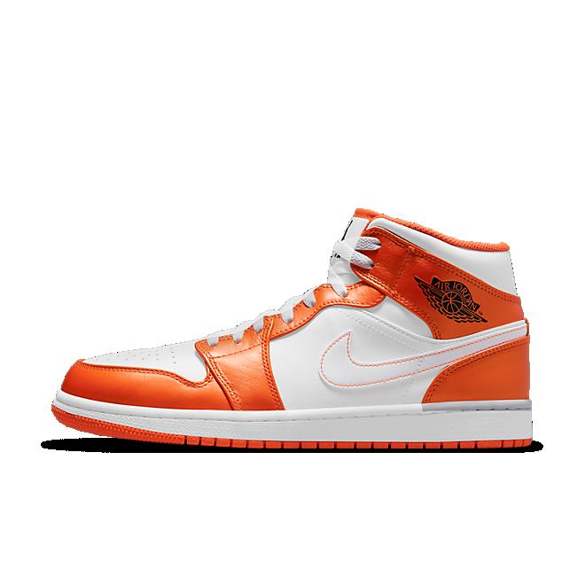 Air Jordan 1 Mid 'Metallic Orange' zijaanzicht