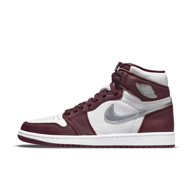 Air Jordan 1 High OG 'Bordeaux' 555088-611