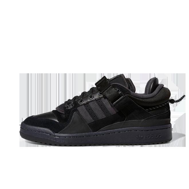 Bad Bunny X adidas Forum 'Black' zijaanzicht