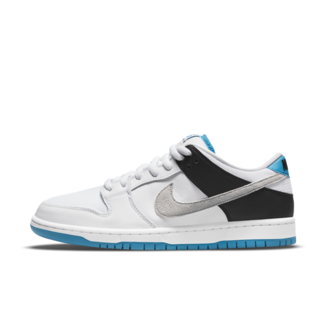 Nike SB Dunk Low Pro 'Laser Blue' zijaanzicht