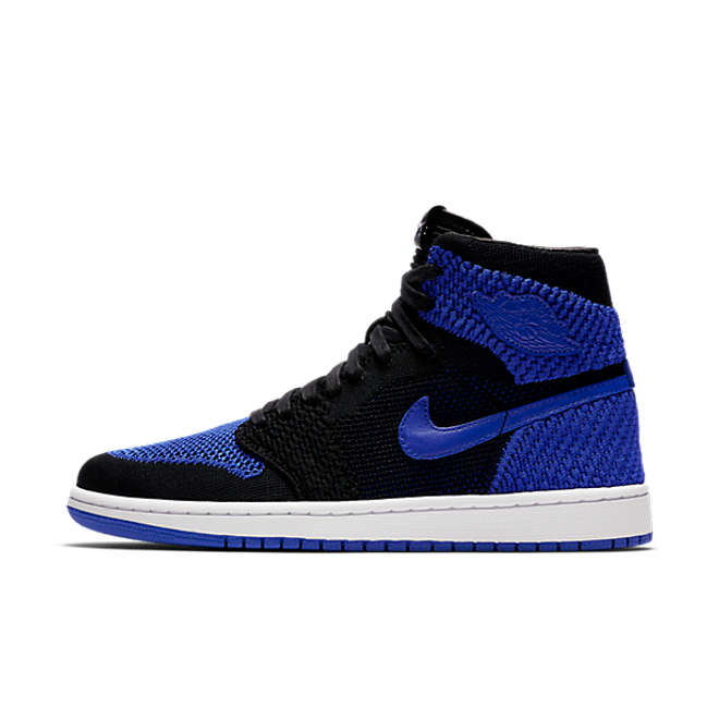 "Air Jordan 1 Retro High Flyknit ""Black & Game"" zijaanzicht"