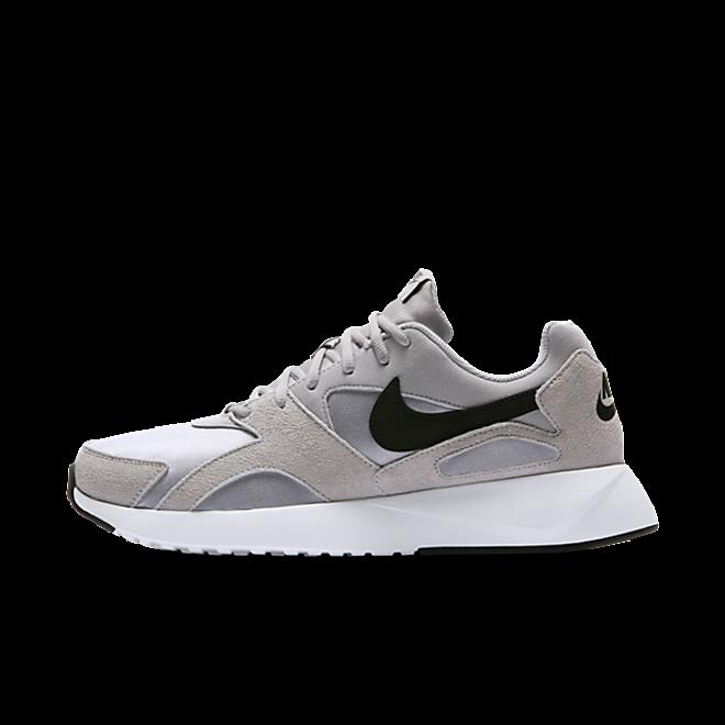 Nike Pantheos  zijaanzicht