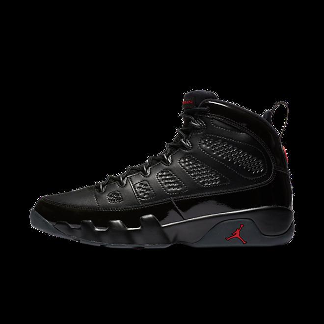 Air Jordan 9 'Bred' zijaanzicht