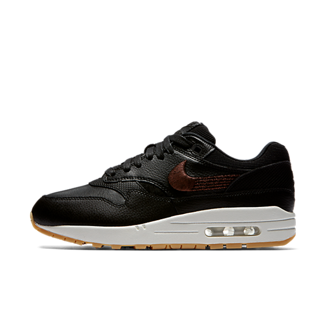 Nike Wmns Air Max 1 Premium 'Black/Gum Yellow' zijaanzicht