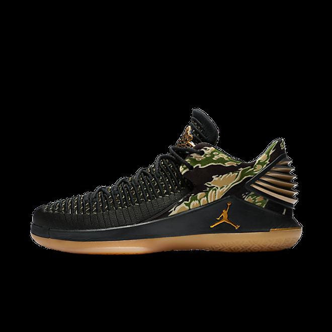 "Jordan Air Jordan XXXII Low ""Black/Metallic Gold"""
