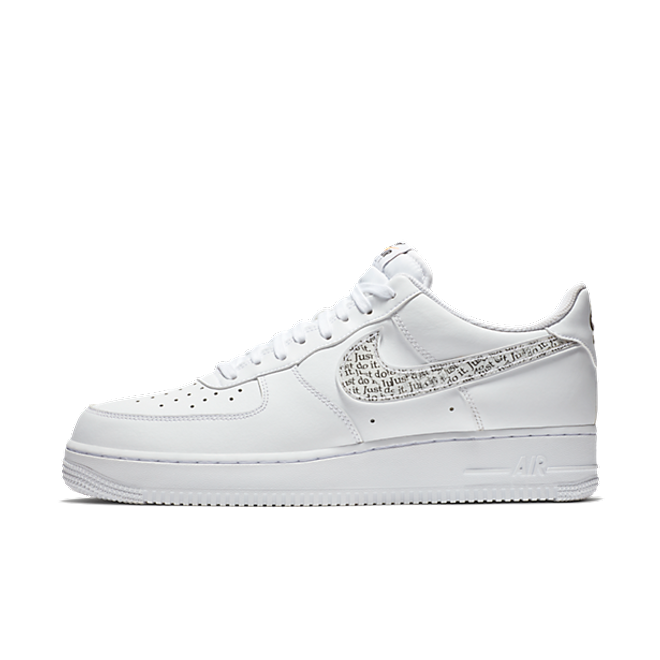 Nike Air Force 1 '07 LV8 'Just Do It' zijaanzicht