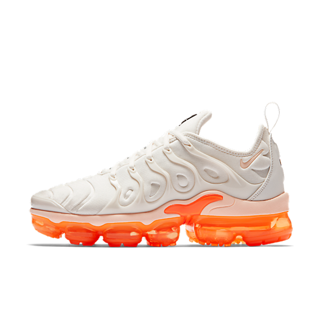 Nike WMNS Air Vapormax Plus 'Phantom/Total Orange'