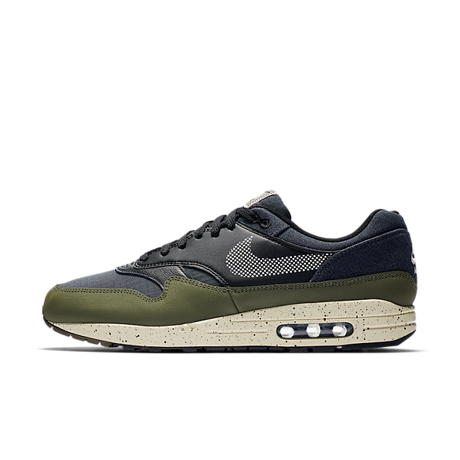 Nike Air Max 1 SE 'Medium Olive' zijaanzicht