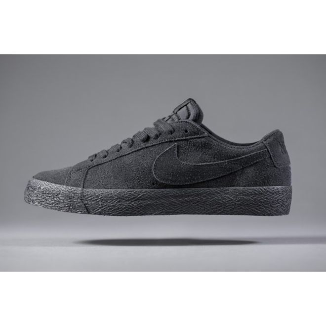 NIKE SB Blazer Low All Black