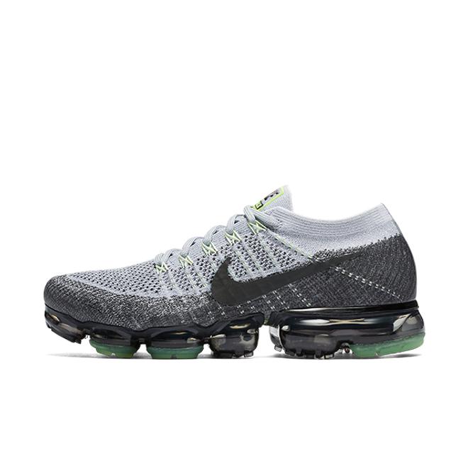 """Nike Air Vapormax Flyknit E """"Pure Platinum"""" zijaanzicht"""