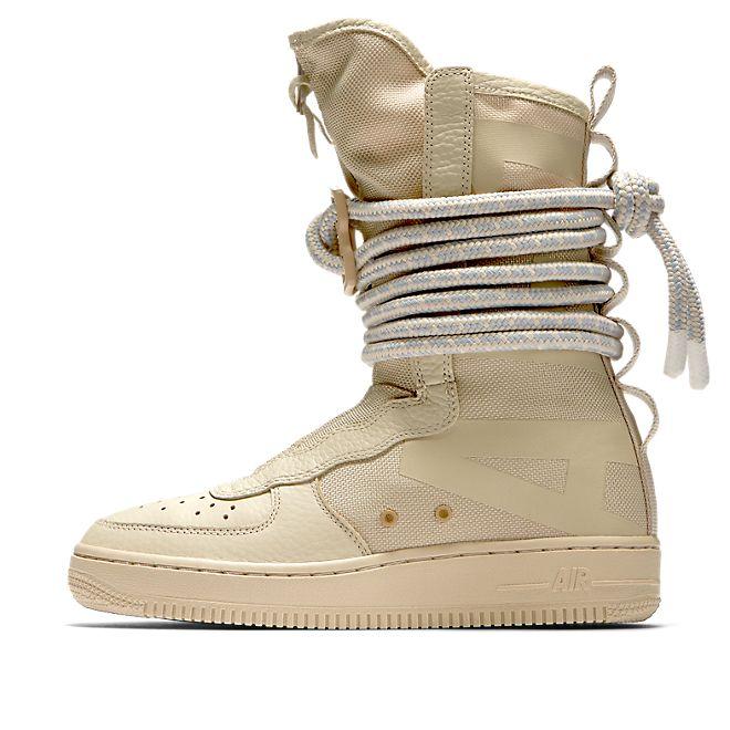 Nike Wmns Air Force 1 Hi SF