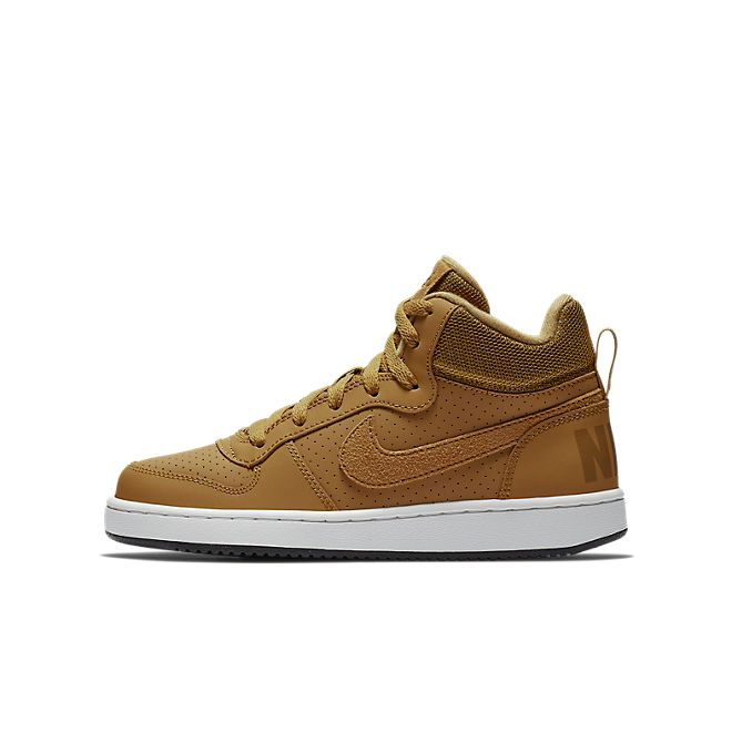 Nike Court Borough Mid