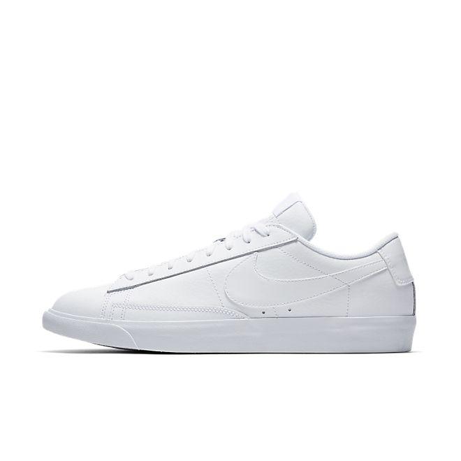 Nike Blazer Low LE Triple White