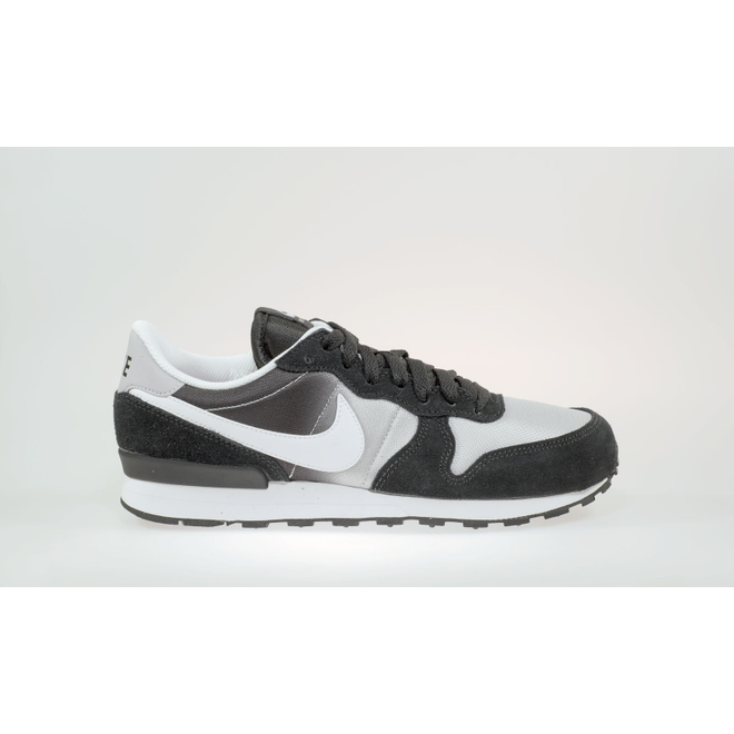 Nike Internationalist  (GS)