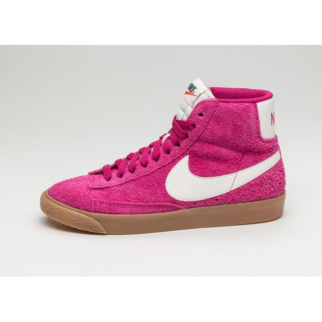 Nike Wmns Blazer Mid Suede Vntg (Sport Fuchsia / Sail - Sail - Gum Yel