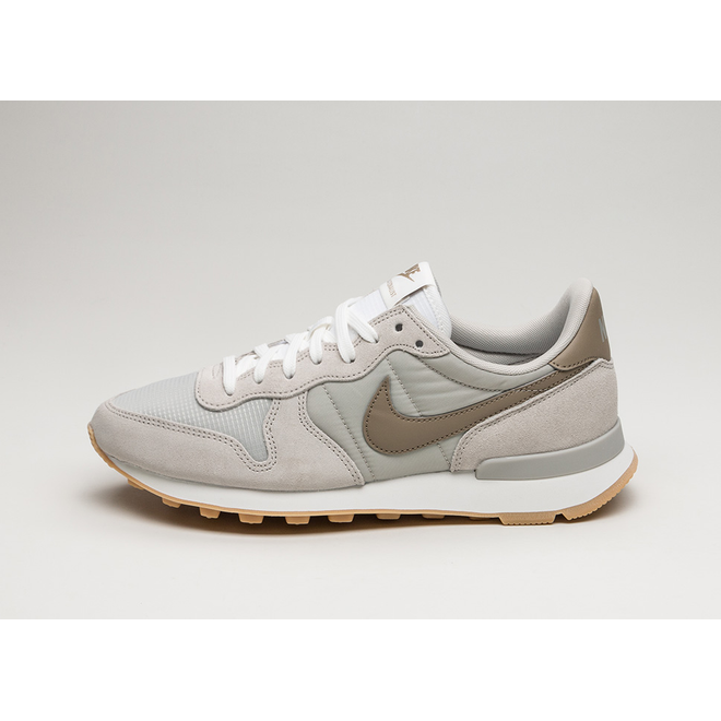 finest selection ebbc7 89bb9 Nike Wmns Internationalist (Pale Grey / Khaki - Summit White ...