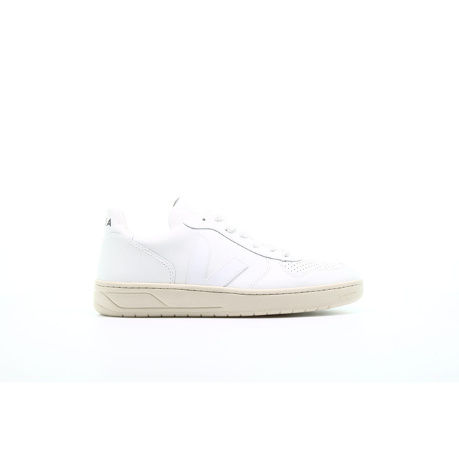 "Veja V10 Leather ""Extra White"""