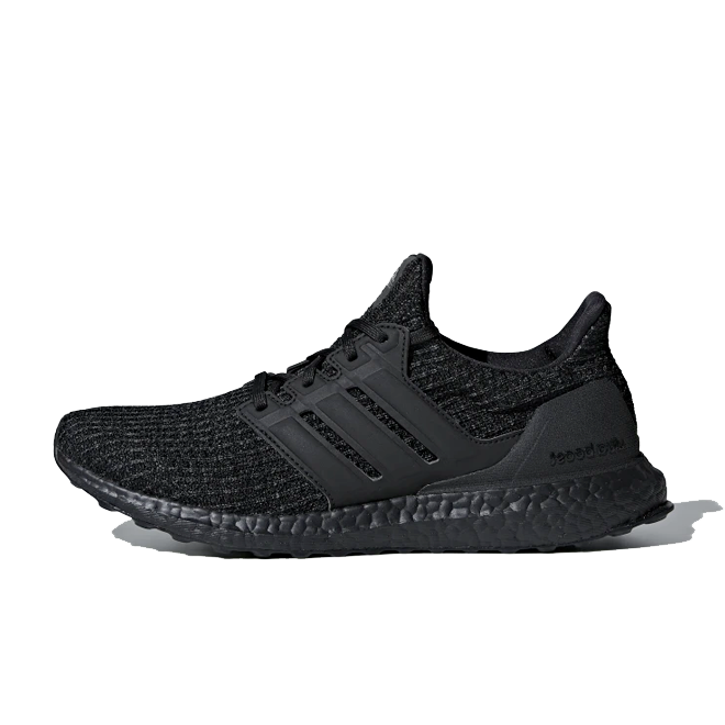 adidas Ultra Boost 'Triple Black' zijaanzicht
