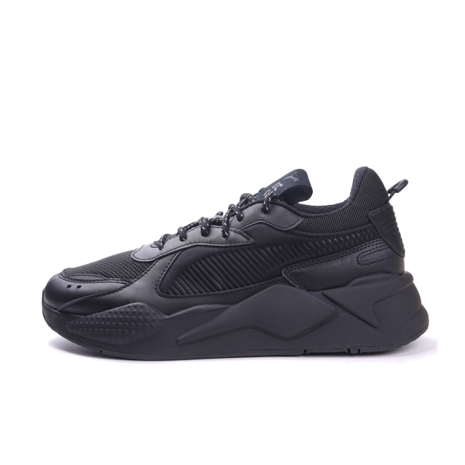 Puma RS-X 'Triple Black' zijaanzicht