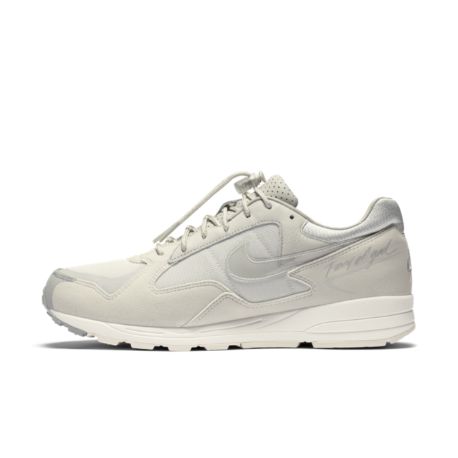 Fear Of God X Nike Air Skylon II 'Light Bone' zijaanzicht