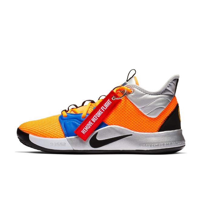 NASA X Nike PG 3 zijaanzicht