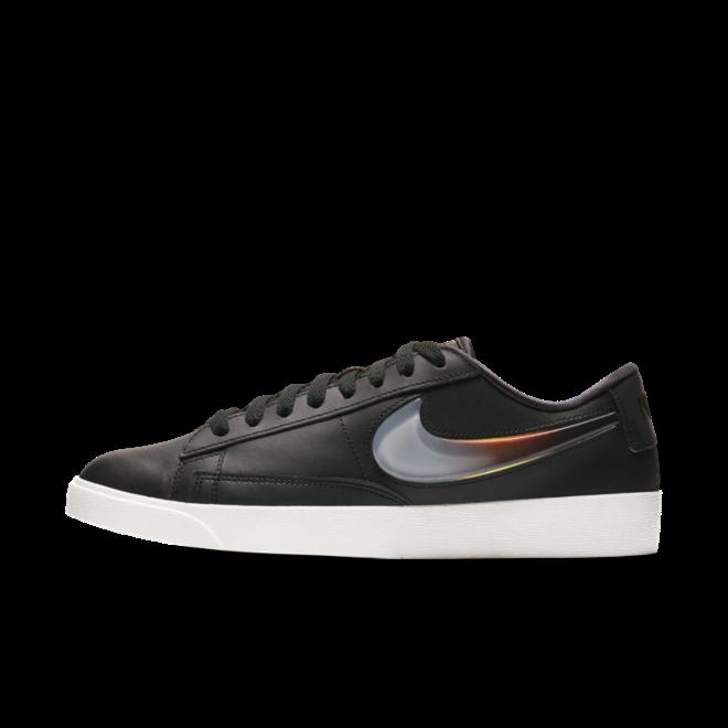 Nike Blazer Low LX 'Black' zijaanzicht